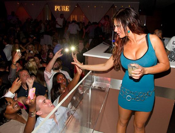 "'Jersey Shore' star Jenni ""JWoww"" Farley parties at PURE Nightclub"