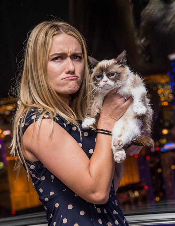 Grumpy Cat with owner Tabatha Bundesen on the High Roller at The LINQ