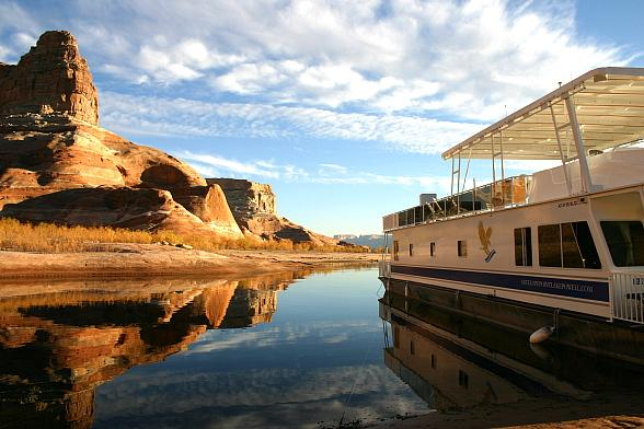 Forever Resorts Honors Military, Veterans with Special Rates on Houseboats, Other Watercraft April 27- May 4