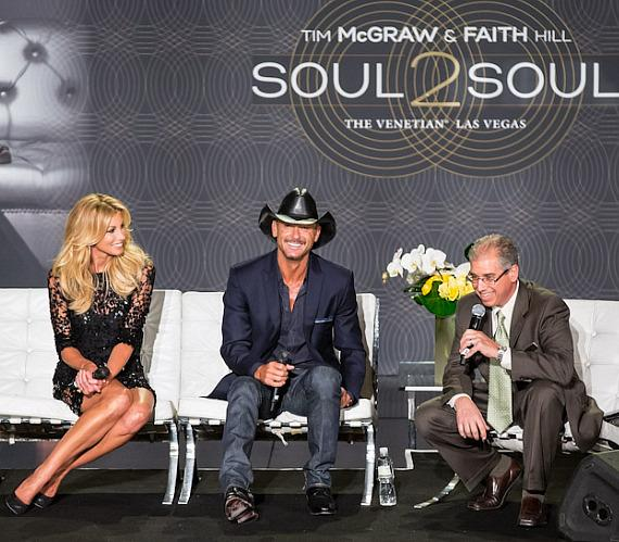 Faith Hill, Tim McGraw and John Caparella (president and chief operating officer of The Venetian, The Palazzo & Sands Expo)