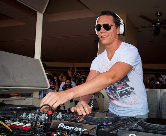 Tiesto at Wet Republic Ultra Pool at MGM Grand