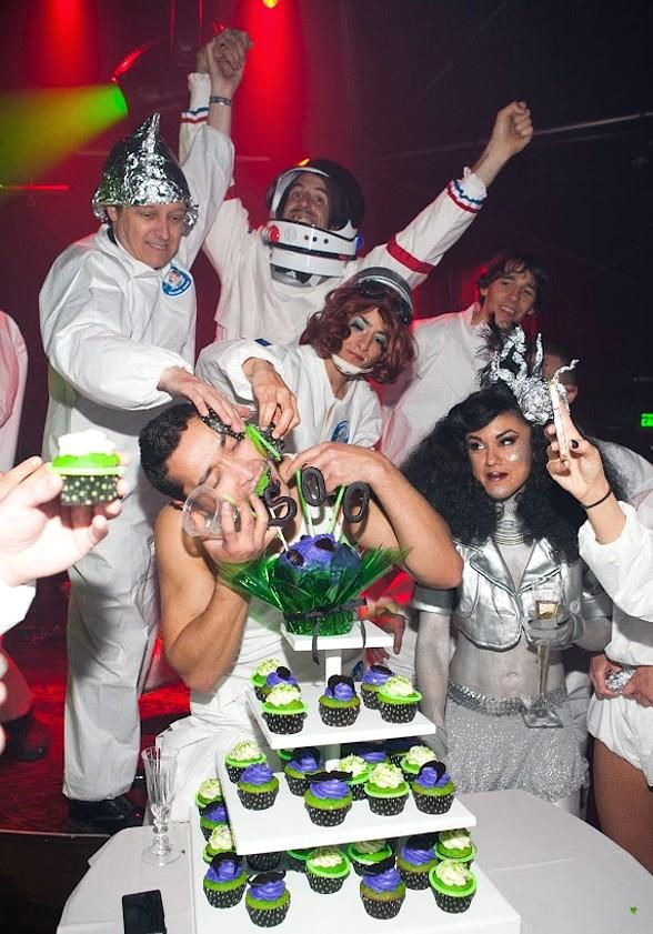 ABSINTHE Celebrates Anniversary and 500 Shows