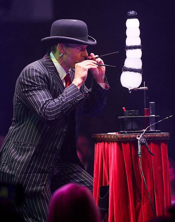 ABSINTHE Celebrates 7 Years in Las Vegas with The Gazillionaire's Gala of Gluttony
