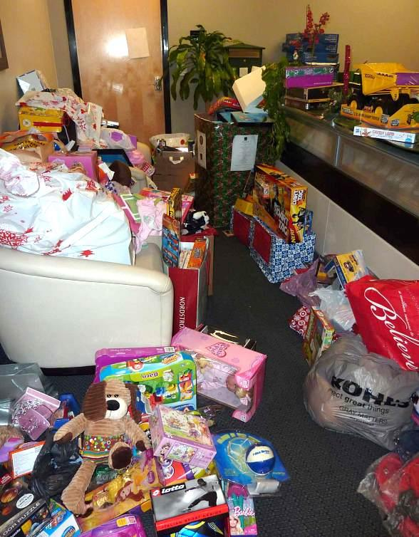 AFAN Receives Overwhelming Community Support for Holiday Toy Drive 2010