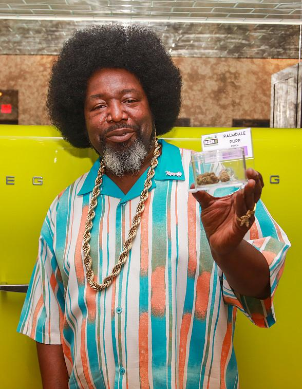 Afroman Visits NuLeaf Marijuana Dispensary in Las Vegas