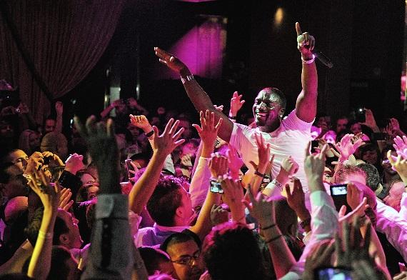 Akon parties with the Labor Day Weekend crowd during his performance at Chateau Nightclub & Gardens