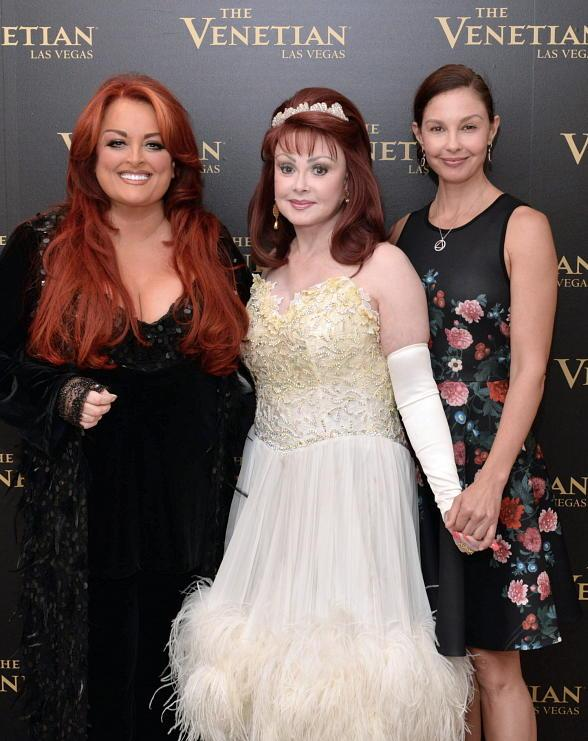 "Ashley Judd visits mother Naomi and sister Wynonna at ""Girls Night Out"" at The Venetian Las Vegas"