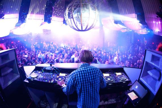 Avicii spins at Marquee Nightclub