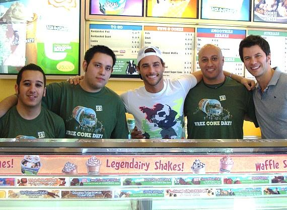 """Josh Strickland (PEEPSHOW and """"Holly's World"""" co-star), pictured with Ben & Jerry's crew and friend"""