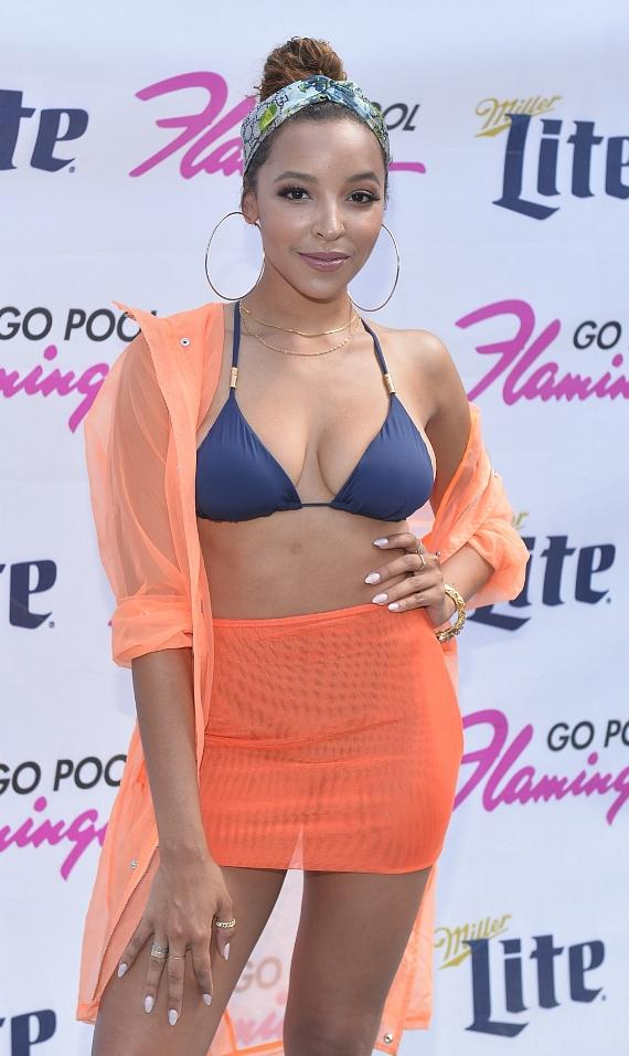 Pop Star Tinashe Performs Live at the Flamingo GO Pool in Las Vegas