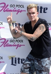 Mark McGrath and Sugar Ray Take Over The Flamingo Go Pool