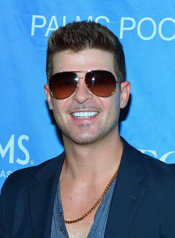 "Robin Thicke looks handsome on the ""Ditch Fridays"" at Palms Pool red carpet"