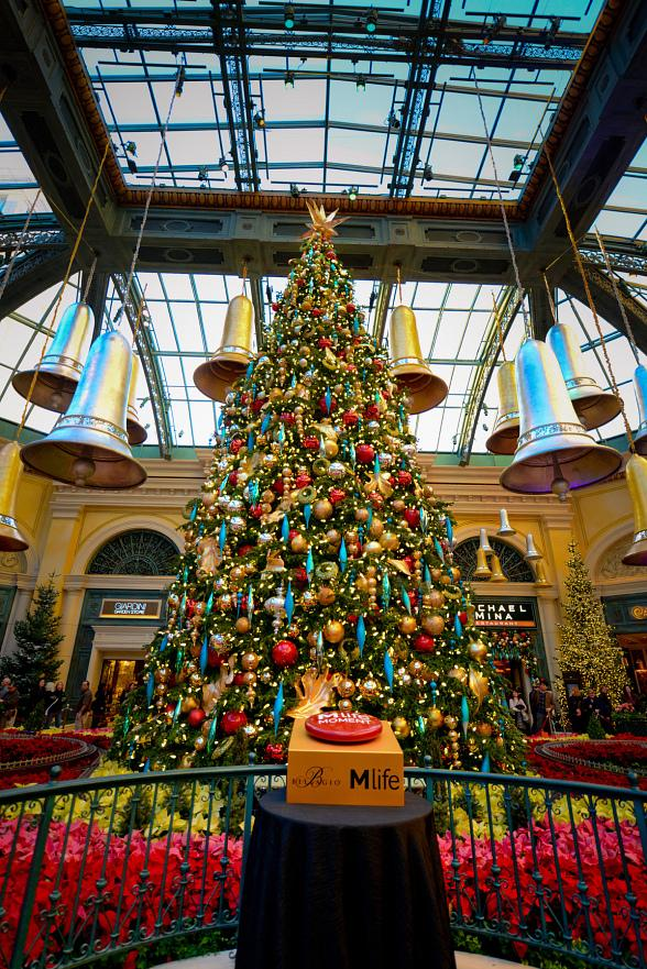 Bellagio Lights Up the Holiday Season by Illuminating the Conservatory Tree