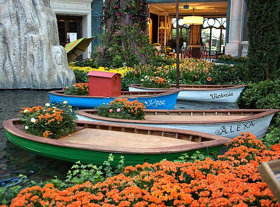 Bellagio's Conservatory & Botanical Gardens - Boats