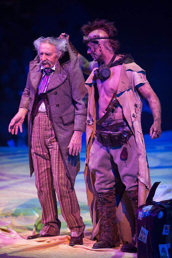 Brian Dewhurst (L) and Perry Ray (R) perform in fifth annual One Night for One Drop