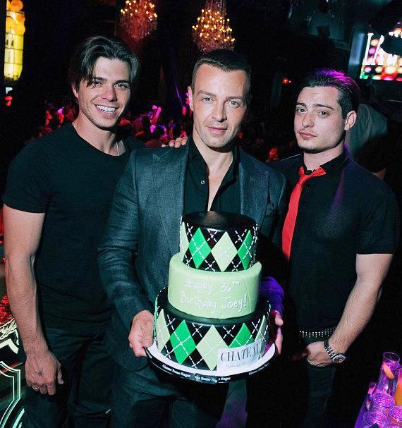 Joey Lawrence Celebrates 36th Birthday With Brothers At