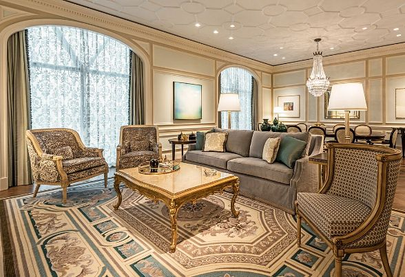 Caesars Palace Completes $100 Million Palace Tower Renovation Featuring Stylish Guest Rooms and Suites andTen Luxurious New Villas