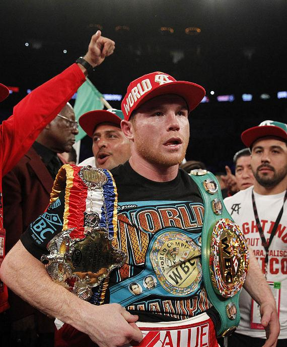 Canelo Alvarez celebrates his victory
