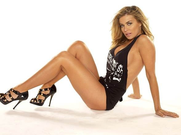 Crazy Horse III Celebrates Two Year Anniversary with Carmen Electra Oct. 21