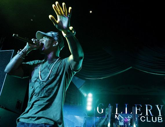 Chingy performs at Gallery Nightclub