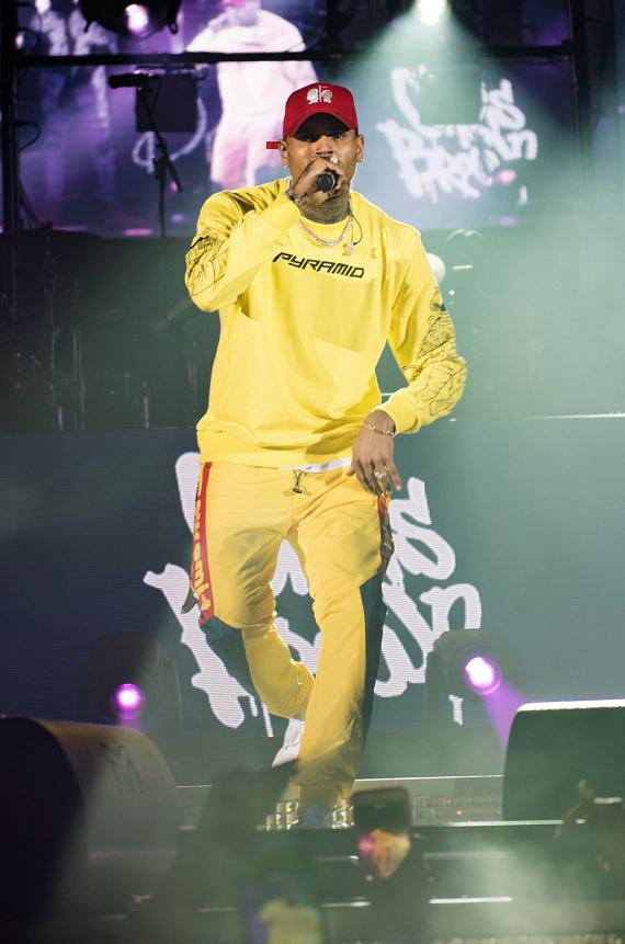 Chris Brown Returns to Drai's Nightclub Las Vegas