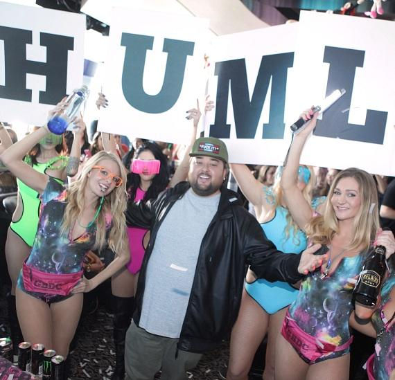 Chumlee with go go dancers at GBDC