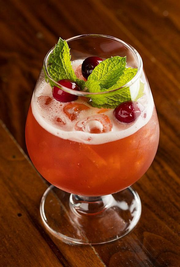 Lily Bar and Lounge at Bellagio Resort & Casino Announces New Mixology Program and Live Entertainment