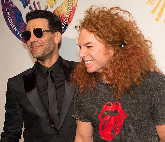 "Criss Angel and Carrot Top on the Gold Carpet at Criss Angel ""HELP"""