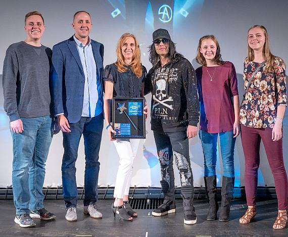 Criss Angel with the Driscoll Family, 2019 Recipient of the Criss Angel Magic Wand Award, Dec. 21, 2019