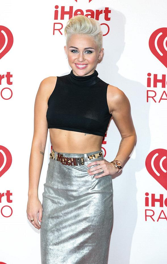 Red Carpet: Miley Cyrus, Green Day, Usher, Bon Jovi, No Doubt, Ryan Lochte, PSY, Miranda Lambert at iHeartRadio Music Festival