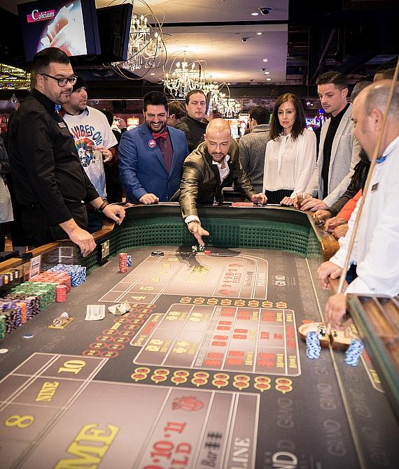Joey Lawrence plays Craps at Downtown Grand Hotel & Casino