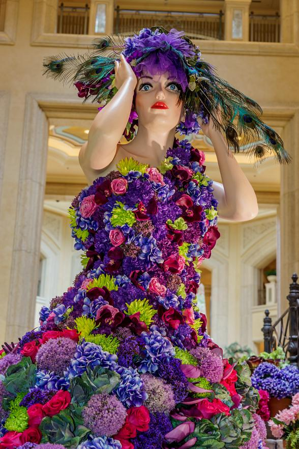 Floral Display at The Palazzo Las Vegas Transforms for July's Hot Summer Nights