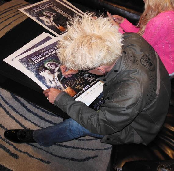 Murray SawChuck signing posters