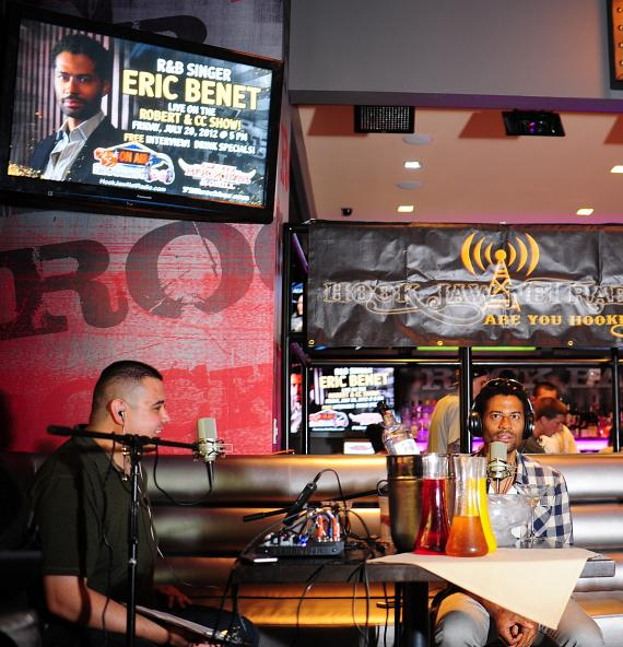 Robert Blasi interviews Eric Benét in PBR Rock Bar