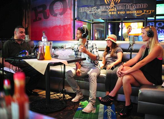 "Robert Blasi, Eric Benét, Eric's fan and Christina ""CC"" Christensen in PBR Rock Bar"