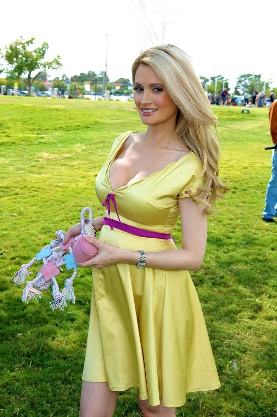 Holly Madison at the Forever Home Picnic to Benefit the Lied Animal Foundation