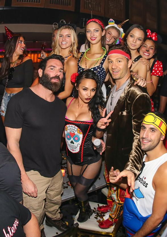 poker player dan bilzerian at lavo party brunch. Black Bedroom Furniture Sets. Home Design Ideas