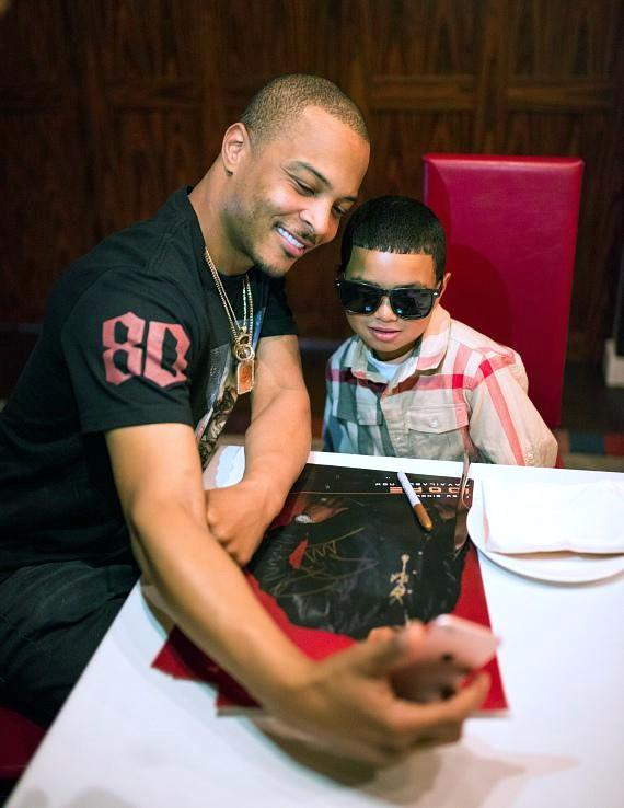 Drai's LIVE Artist Tip 'T.I.' Harris Meets with Make-A-Wish Member Mark at GIADA at The Cromwell
