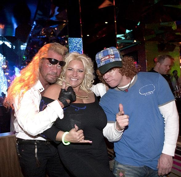 Duane Chapman and Wife Beth with Carrot Top at Vanity-588