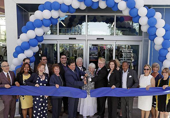 Las Vegas-Clark County Library District Debuts 21st Century Library in East Las Vegas