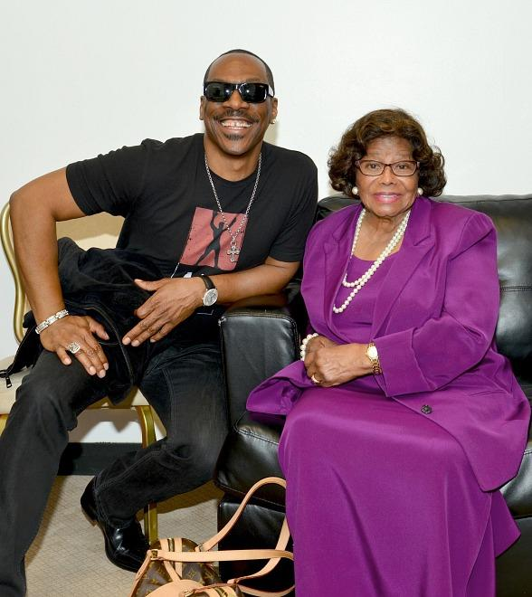 Eddie Murphy Celebrates Premiere of RockTellz & CockTails Presents The Jacksons in Las Vegas