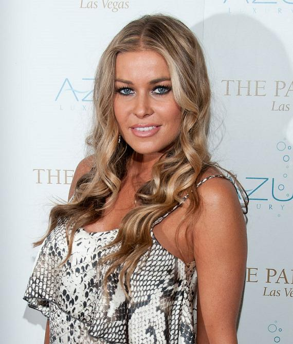 """Carmen Electra hosts """"Stereo Loves Saturday"""" at Azure Luxury Pool"""