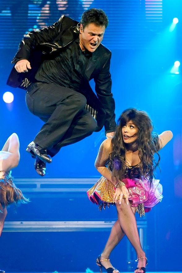 Flamingo las vegas and donny marie sign two year extension donny and marie at the flamingo m4hsunfo