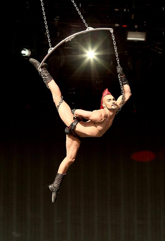 Famous Cirque du Soleil aerialist performs amazing stunts during Rock in Rio USA at the MGM Resorts Festival Grounds