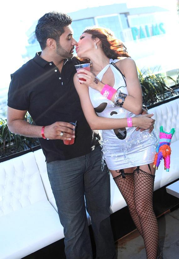 Farrah Abraham and Simon Saran kiss on Ghostbar patio