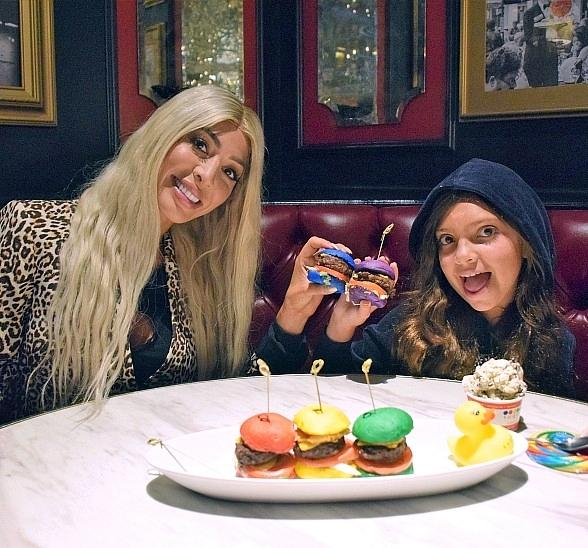 Farrah Abraham and daughter Sophia dine at Sugar Factory Las Vegas