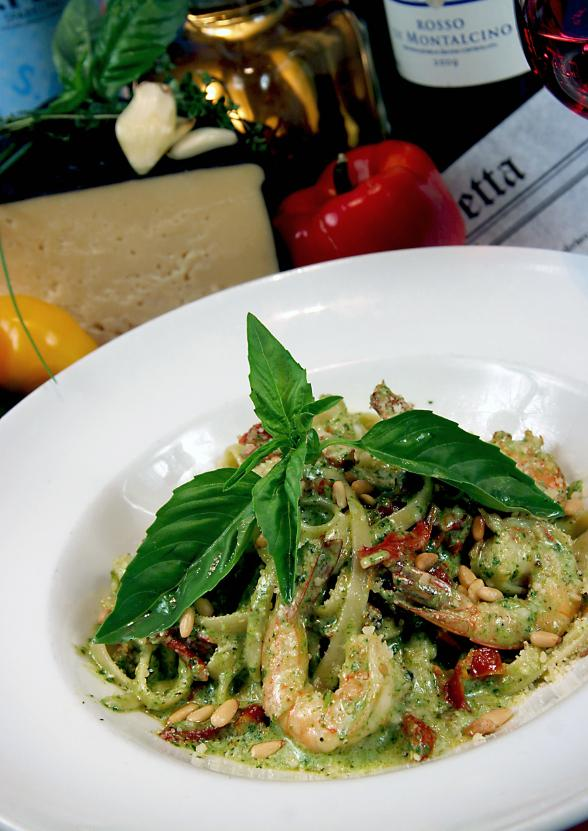 Fettuccine Gamberi with Pesto