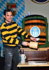 Oktoberfest Celebrations Continue at Hofbräuhaus Las Vegas with Celebrity Keg Tappers Frankie Moreno and Legends in Concert
