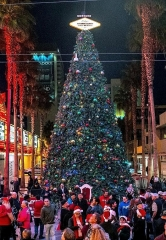 Fremont Street Experience Celebrates the Holiday Season with Annual Christmas Tree Lighting in Downtown Las Vegas, Dec. 5