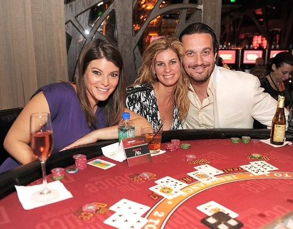 Gail Simmons, Jennifer Carroll and Fabio Viviani at blackjack table